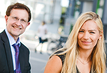 An der Uni Köln testen Martina Kratz und Martin Waßmer digitale Möglichkeiten der Lehre.