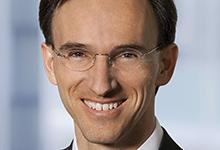 Christian Cascante von Gleiss Lutz verteilt die Arbeit für die Associates nach einem Ampelsystem.